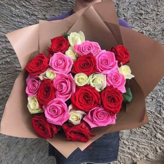 A bouquet of 25 roses: flowers to order Flowwow