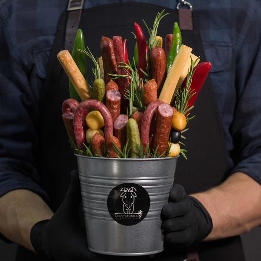 Мужской букет из колбасы 11: букеты цветов на заказ Flowwow