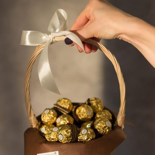 Сладкий букет из конфет Ферреро Роше 52: букеты цветов на заказ Flowwow