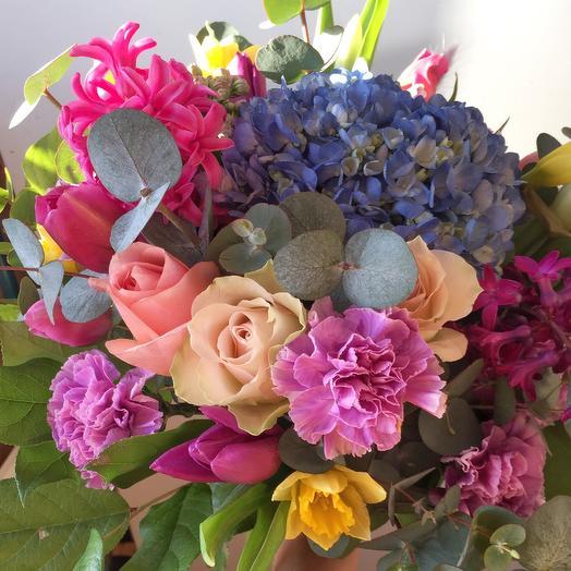 Потрясающий весенний букет: букеты цветов на заказ Flowwow