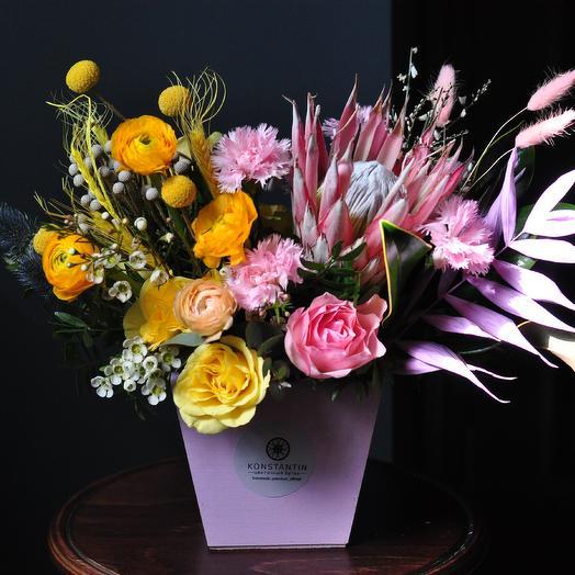 Композиция с протейей: букеты цветов на заказ Flowwow