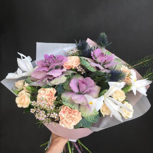 Букет с белыми ирисами: букеты цветов на заказ Flowwow