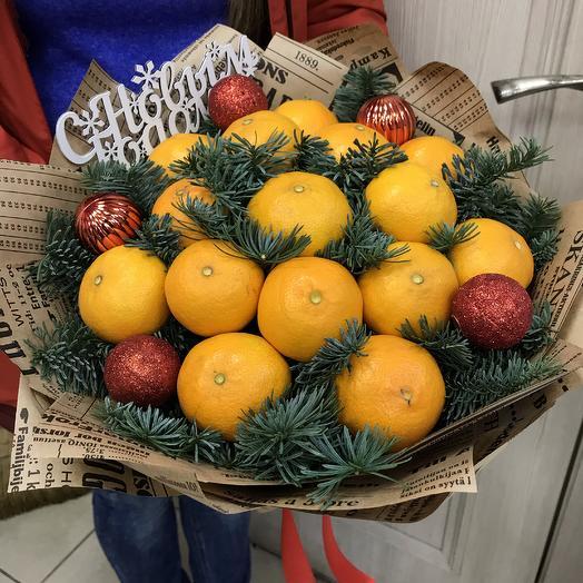 Новогодняя мандаринка: букеты цветов на заказ Flowwow