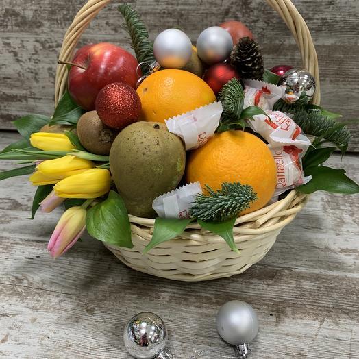 Новый год Корзина фруктов: букеты цветов на заказ Flowwow