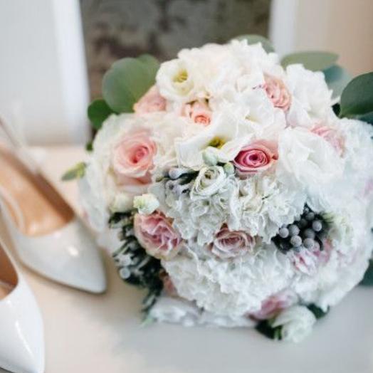 Капли розового: букеты цветов на заказ Flowwow