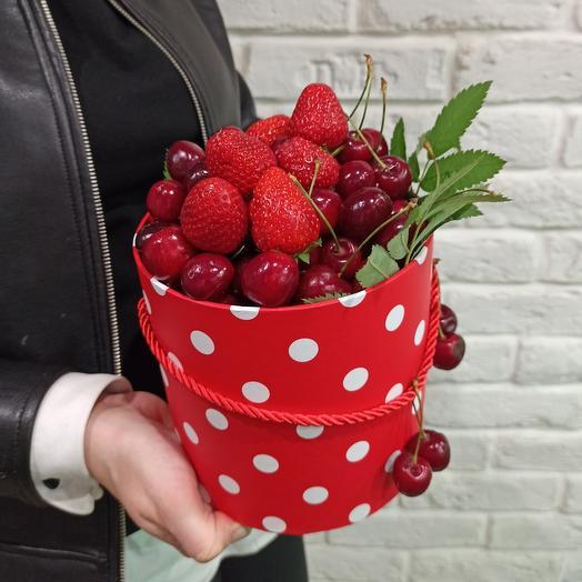 """Коробка ягод """"Клубничный Бум"""""""