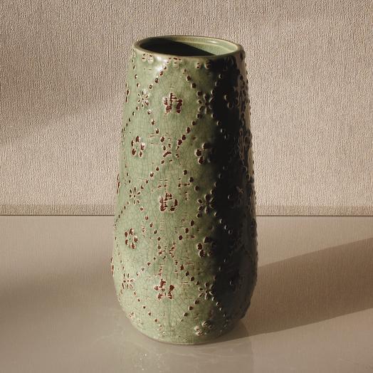 Керамическая ваза с орнаментом