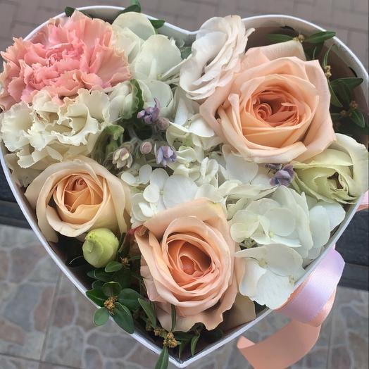 Цветы в коробке размер S