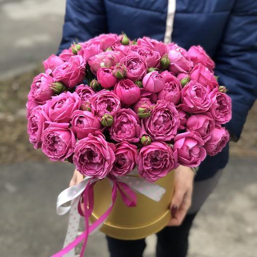 Пионоводные розы в коробке