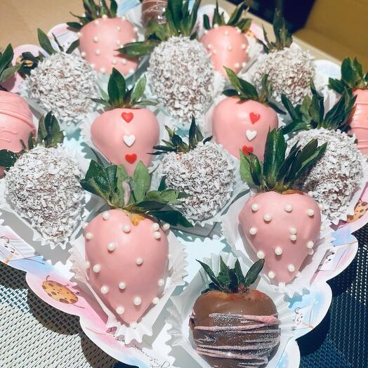 Клубника в шоколаде «любовь»