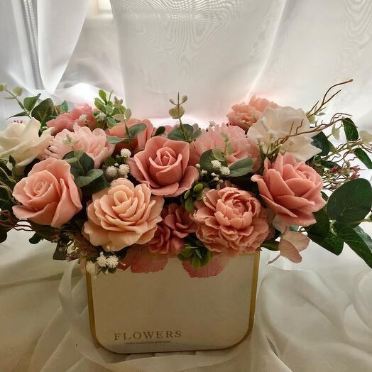 Мыло ручной работы букет из роз и пионов