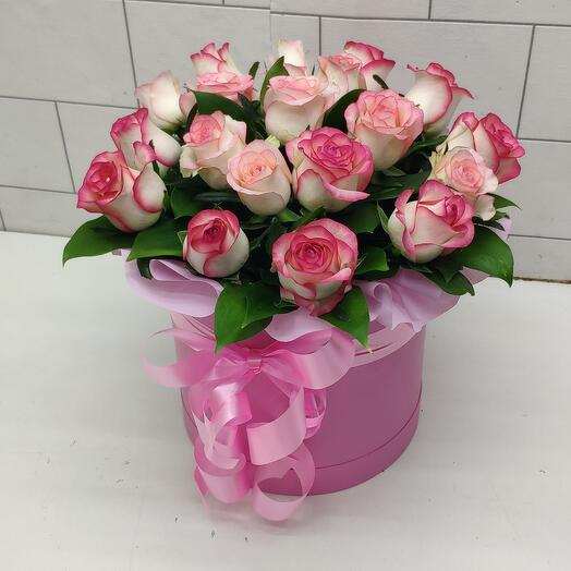 Роза в коробке 19 штук