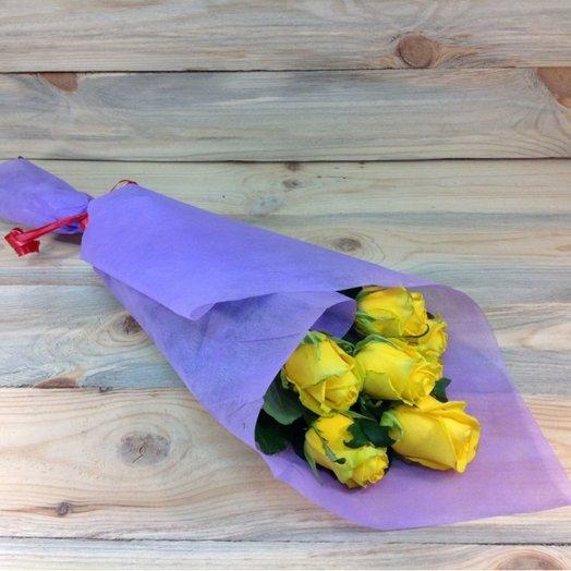 7 желтых роз в фетре