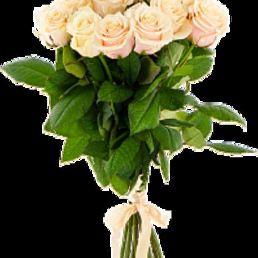 25 отборных белых (кремовых) роз