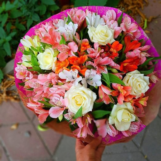 Bright bouquet of roses and alstroemerias: flowers to order Flowwow