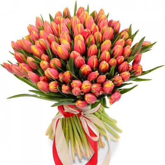 101 красно-желтый тюльпан: букеты цветов на заказ Flowwow