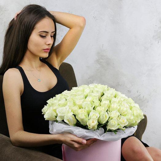 Букет из 101 белой розы в шляпной коробке