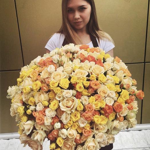 """Большой букет из кустовых роз """"С Любовью"""""""