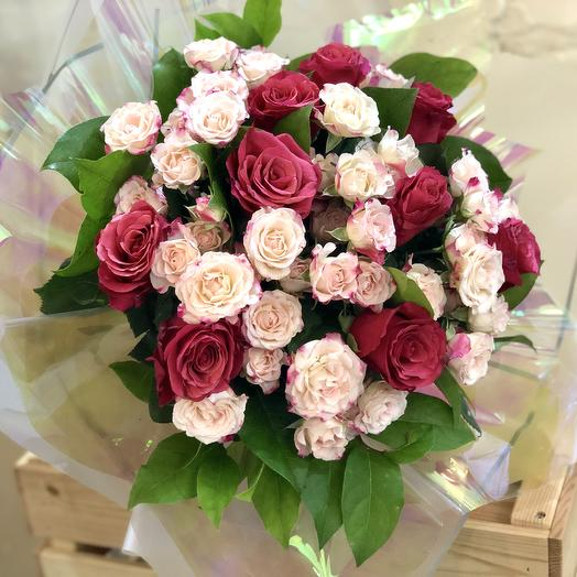 Букет из кустовой розы Кения микс: букеты цветов на заказ Flowwow