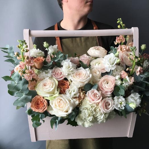 Ароматный ящик с французской розой: букеты цветов на заказ Flowwow