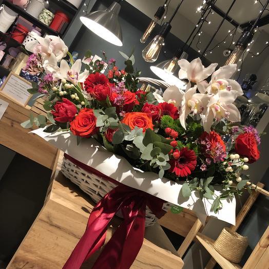 Шикарная корзина цветов