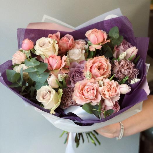 Фиолетово-персиковый букет: букеты цветов на заказ Flowwow