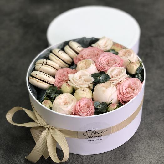 Box with peony roses Delicate