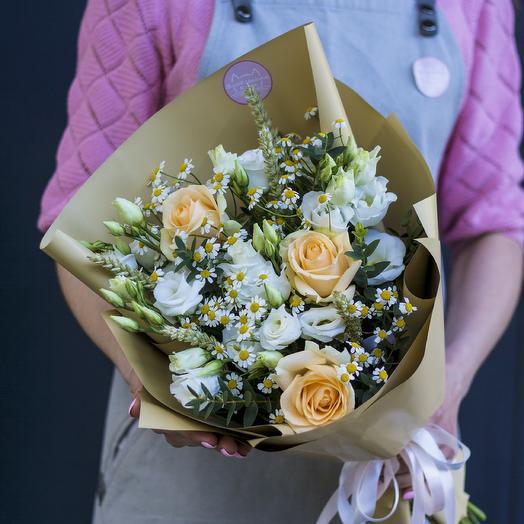 Букет-комплимент: роза, эустома, ромашка, пшеница: букеты цветов на заказ Flowwow