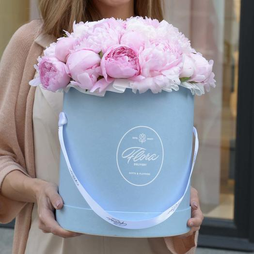 "Шляпная коробка Grand ""Пионы Sarah Bernhardt"" BLUE"