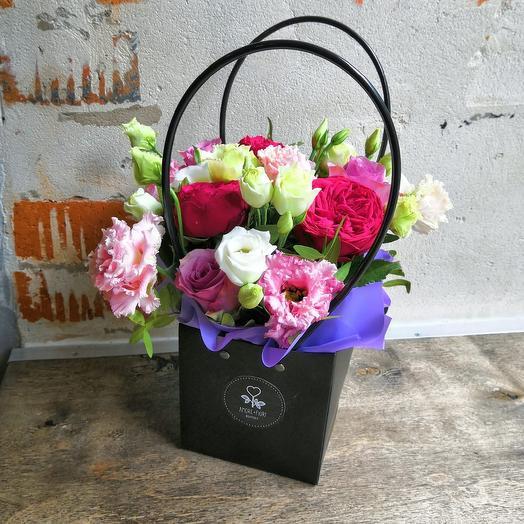 Сумочка милашка: букеты цветов на заказ Flowwow