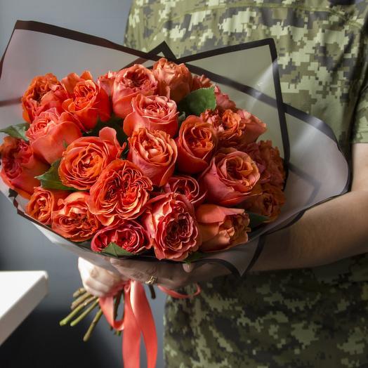 25 ПИОНОВИДНЫХ РОЗ В СТИЛЬНОЙ УПАКОВКЕ: букеты цветов на заказ Flowwow