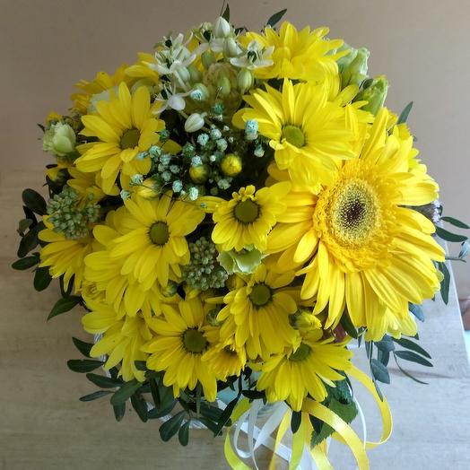 "Цветочный бокс - комплимент ""Улыбка"": букеты цветов на заказ Flowwow"