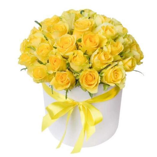 Коробочка с желтенькими розочками