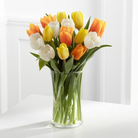 Ваза с тюльпанами: букеты цветов на заказ Flowwow