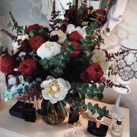 Скромная страсть: букеты цветов на заказ Flowwow