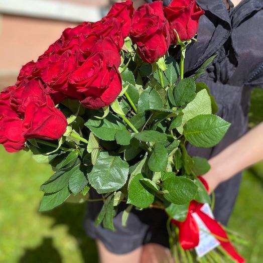 Букет 31 красных роз