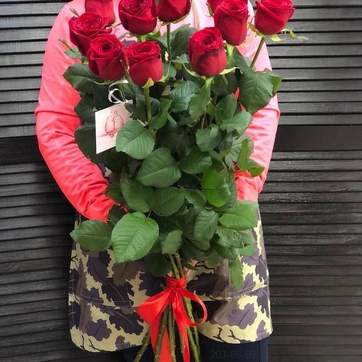 11 эквадорских метровых роз 100 см