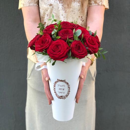 Конус с розами