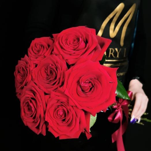 Моно 7 красных роз