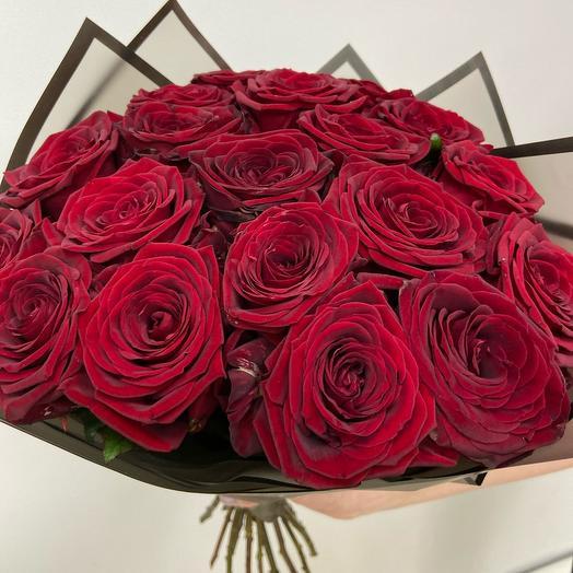 Красные розы ароматные