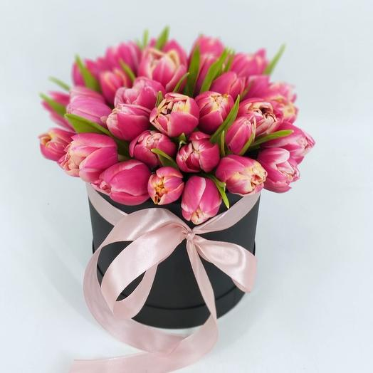 Пионовидные тюльпаны Каламбус в коробке