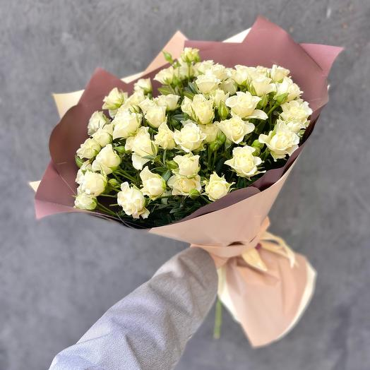 ✅ Букет 15 белых кустовых роз «Сноуфлейк» Хит