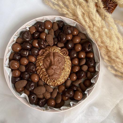 Набор драже из вишни, орехов и бельгийского шоколада «Лев»