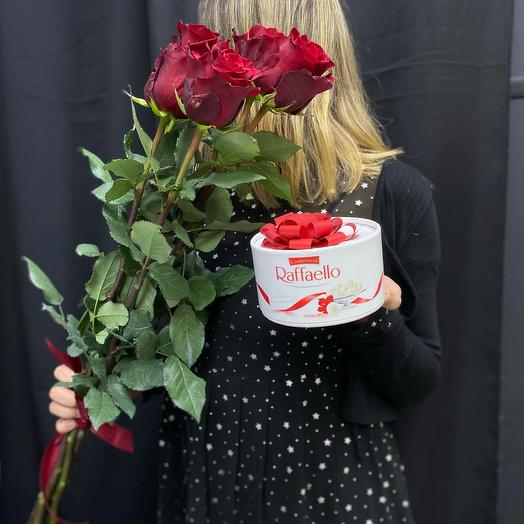 Букет из 5 роз и Raffaello