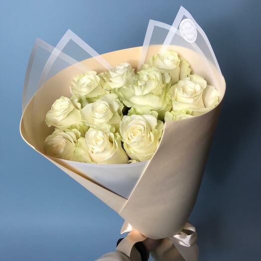 11 Шикарных белых роз (70см)