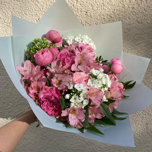 Розовый составной букет М