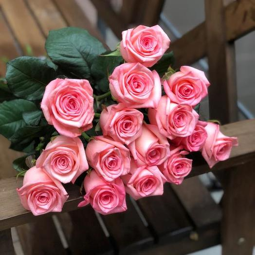 Букет из 15 розовых голландских роз 60 см: букеты цветов на заказ Flowwow