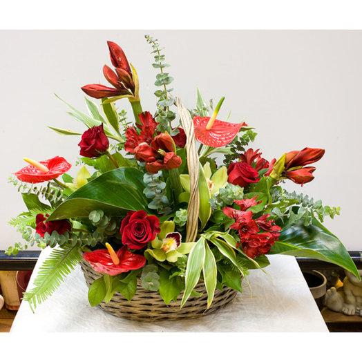 Корзина цветов Торжественная