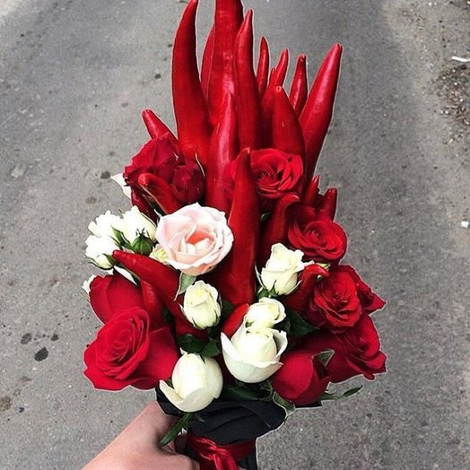 С перчинкой: букеты цветов на заказ Flowwow