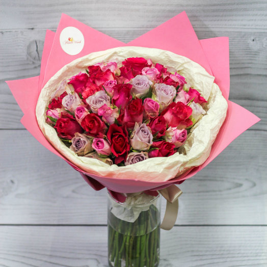 A mix of roses: flowers to order Flowwow